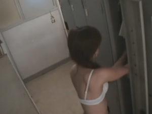 [更衣室ナース盗撮]誰もが憧れるナースの更衣室に隠しカメラを設置。かわいいナース着替え動画。